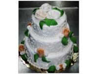 tort na chrzciny trzy piętrowy