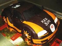 tort samochód Bugatti
