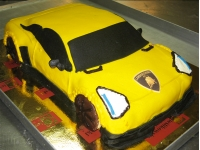 tort samochód Lamborghini