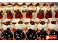 mini: eklerki,rafaello,szarlotka, ciasteczka bankietowe